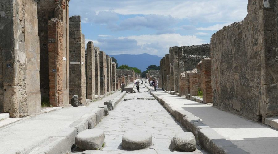 Day-Trip-to-Pompeii-and-Naples-from-Rome